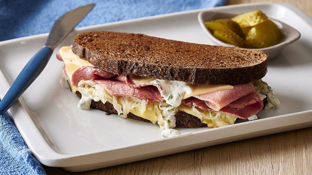 Corned Beef Reuben Sandwich – Recipe | Unilever Food Solutions