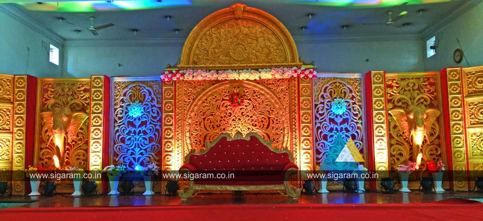 Reception stage decoration done at Thamizh Thirumana Maligai Puducherry SIGARAM WEDDING DECORATORS
