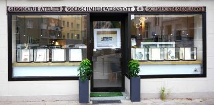 Ladenfront-Siggnatur-Atelier-Rochusstraße