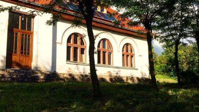 Photo of Roșii, brânză și Jazz la fosta școală din Angofa (Sighișoara)
