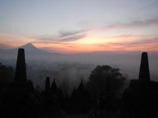 04Mar14: Mystical sunrise @ Borobudur