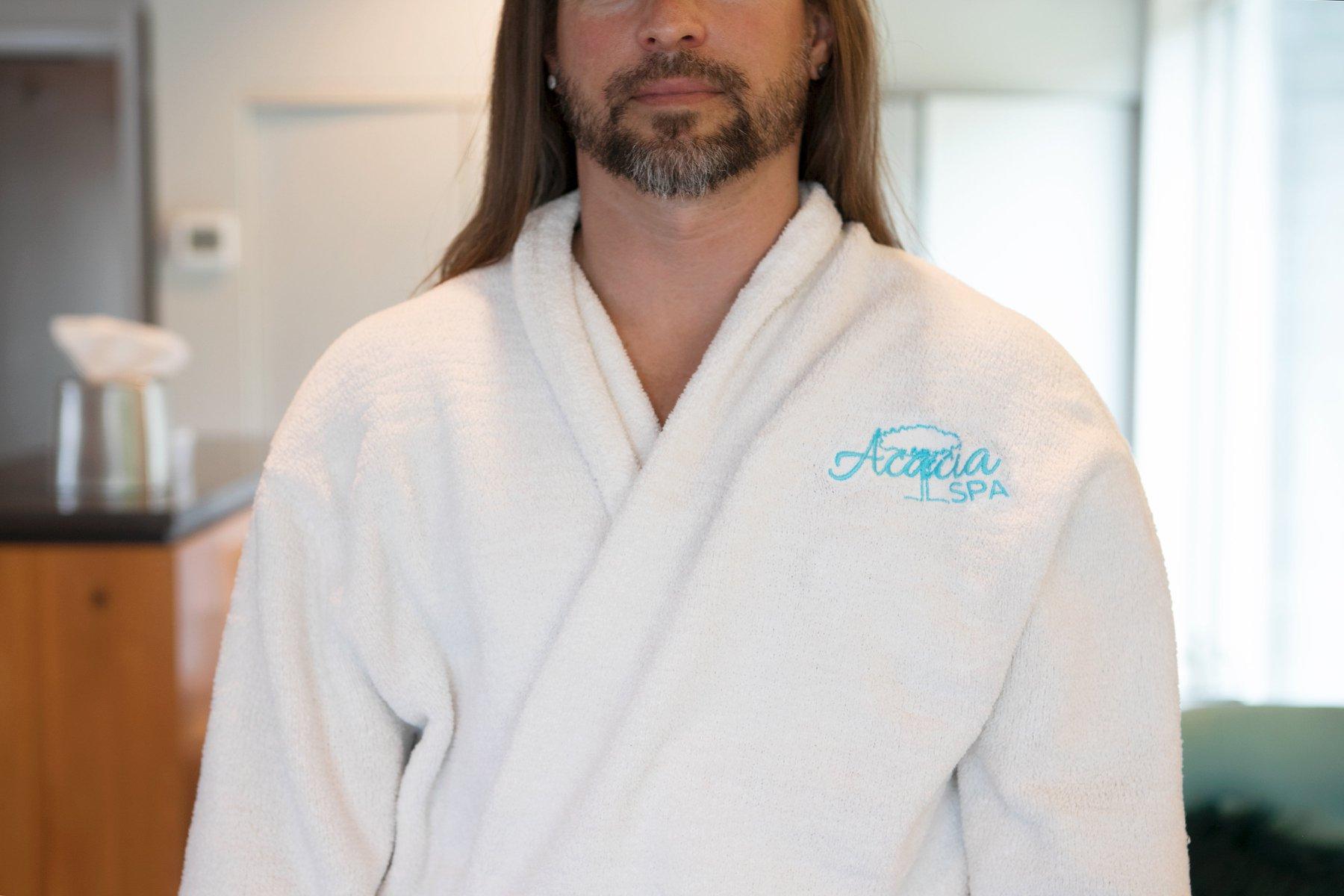 acacia spa springfield missouri man robe