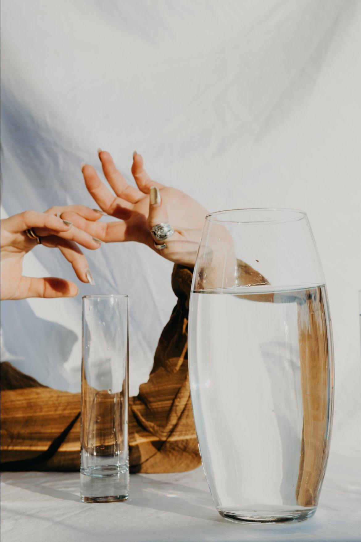 hands white minimal minimalism water white