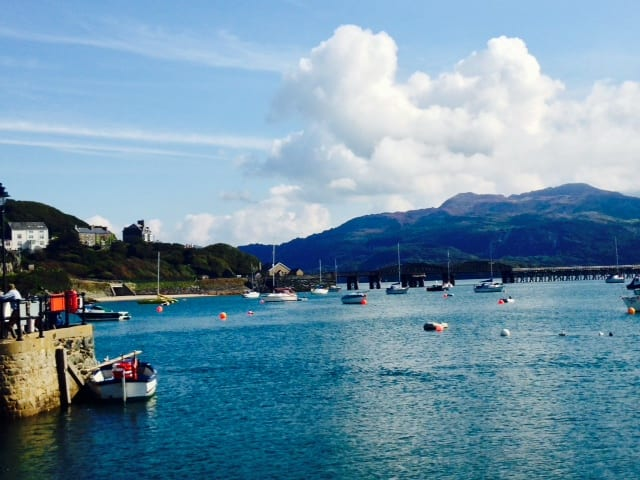 Barmouth Bay, North Wales copyright @ sightseeingshoes