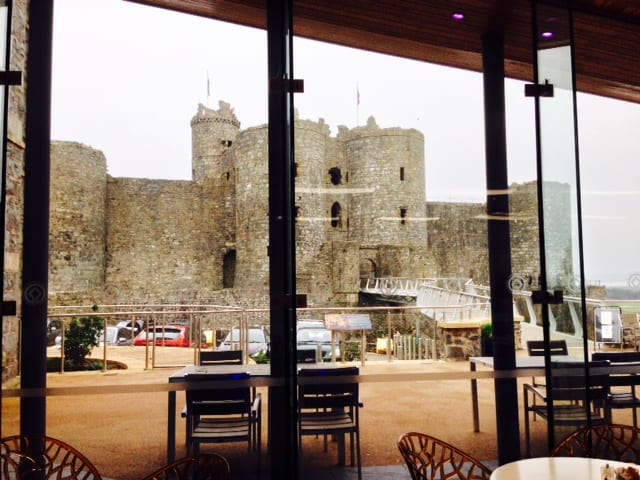 caffi cast ell, harlech caste, llew glas, things to do in harlech, llew glas deli, cade wales, cafe at the castle, harlech castle cafe, north wales, snowdonia national park