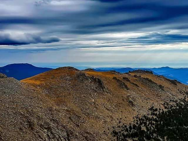 colorado, rocky mountain colorado, what to do in colorado, how many states are the rockies in, mount evens colorado, road tripping isa, denver colorado, driving up mount evans, mount evans summit