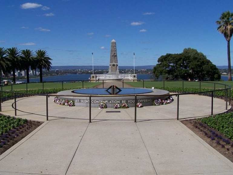 800px-Kings_Park_War_Memorial