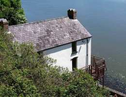 Laugharne: Visiting Dylan Thomas and other sights...