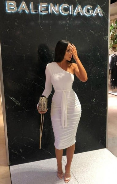 https://femmeluxebloggers.co.uk/collections/blogger-picks/products/white-one-shoulder-ruched-slinky-midi-dress-savannah