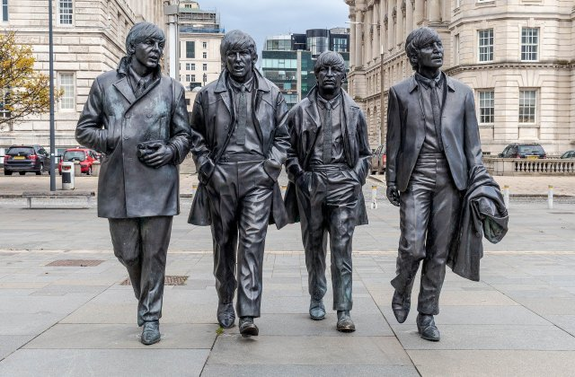 the beatles statue liverpool free attractions