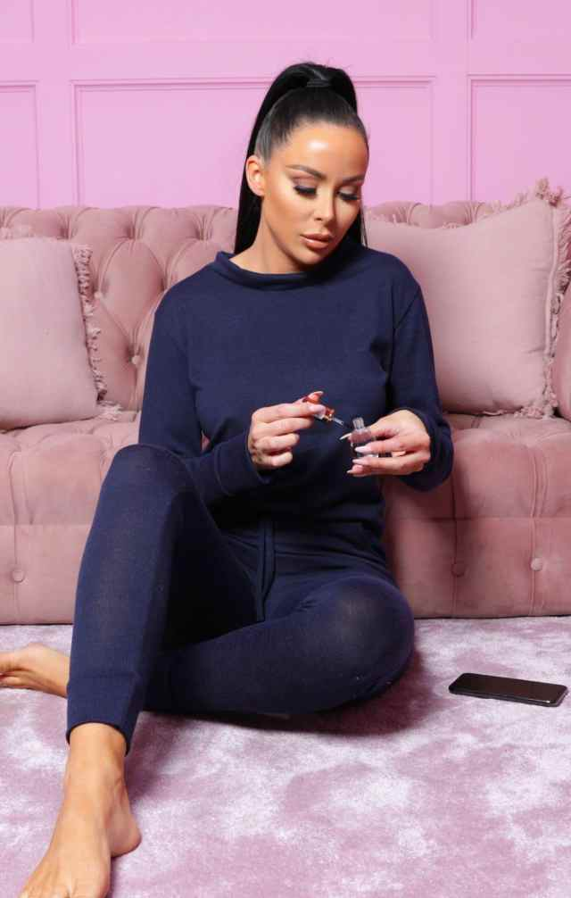 https://femmeluxefinery.co.uk/products/navy-loungewear-tracksuit-set-maria
