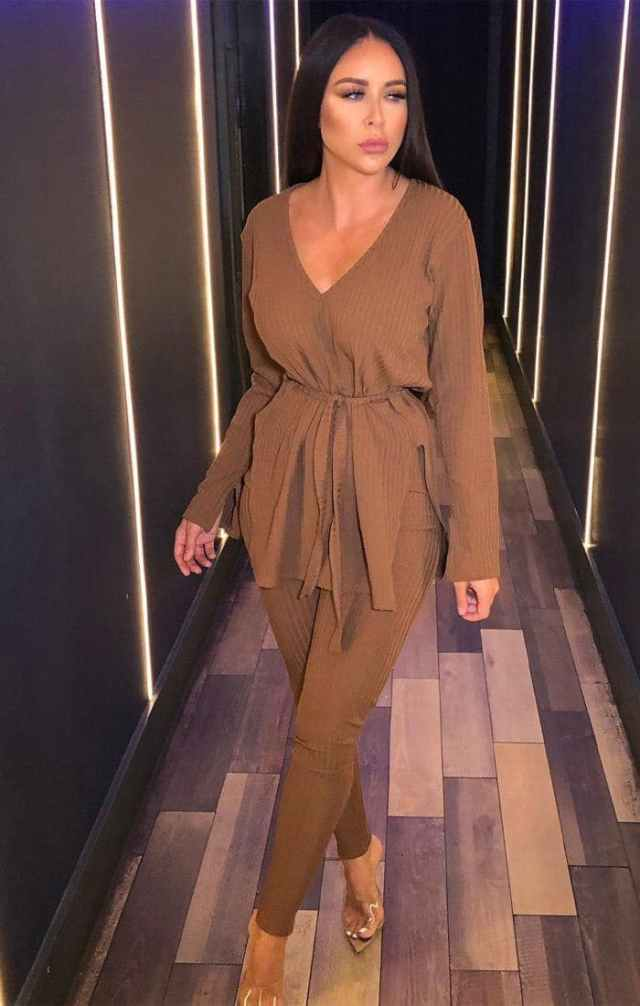 https://femmeluxefinery.co.uk/products/brown-ribbed-belted-loungewear-set-asia