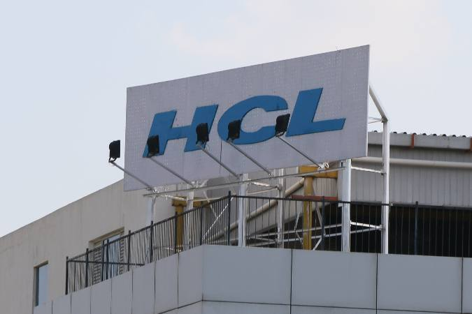 Tech Mahindra & HCL plan to bring back 20% staff in office