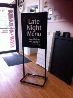 sign-stand-holders-0818-b