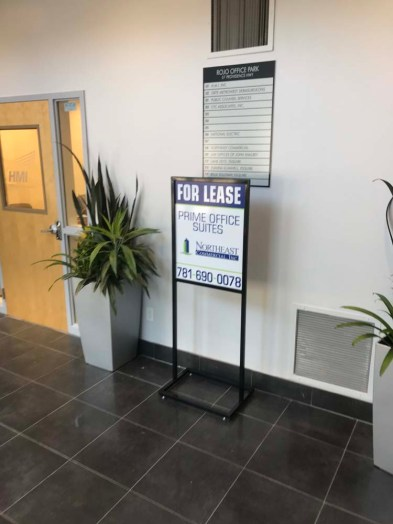 sign-stand-holders-0818-f
