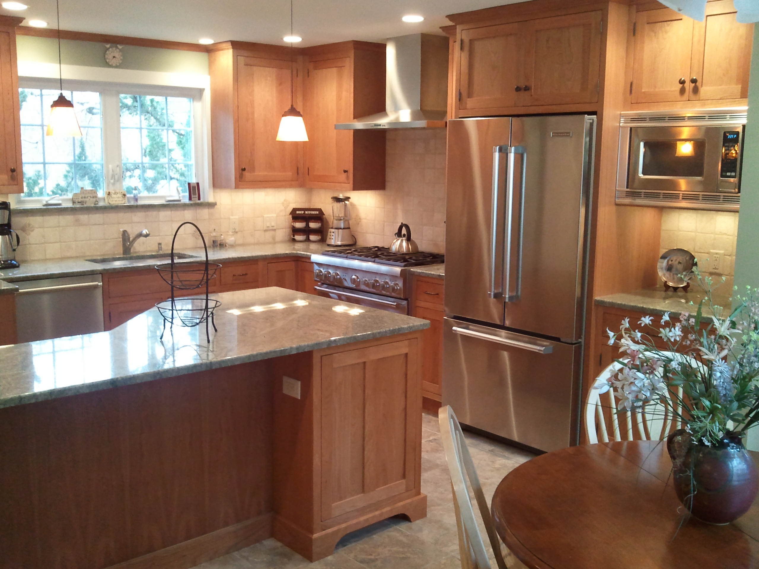 Choosing a wood species type for kitchen cabinets for Kitchen cabinet wood types