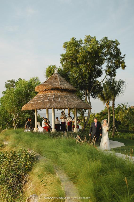 ideas, wedding - Inspiration from Robert & Sarah's All White Wedding