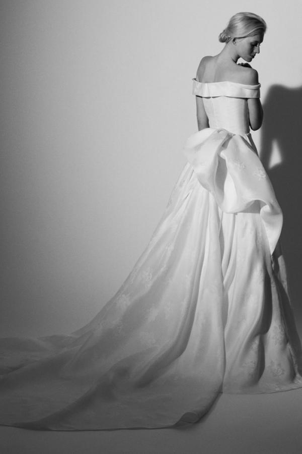 CAROLINA HERERRA: Bridal Spring 2018 Collection
