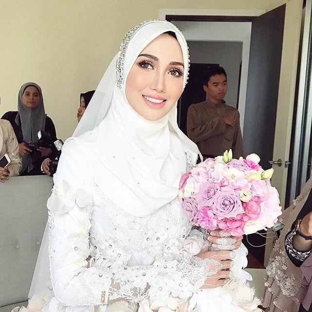 Hanis Arif & Irshad Razali wed in Beautiful Pastel Wedding