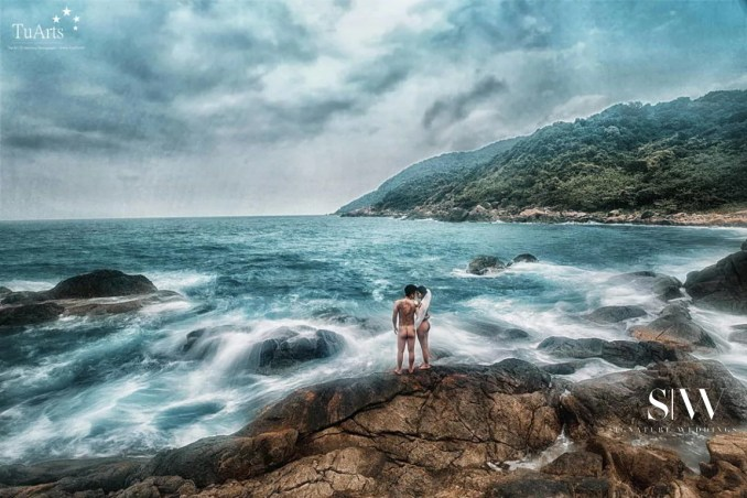 Couple Poses Bare in their Vietnam Pre-Wedding Photography