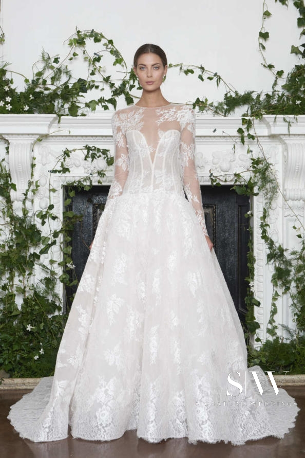 MONIQUE LHUILLIER Fall 2018 Bridal Collection—New York Fashion Week