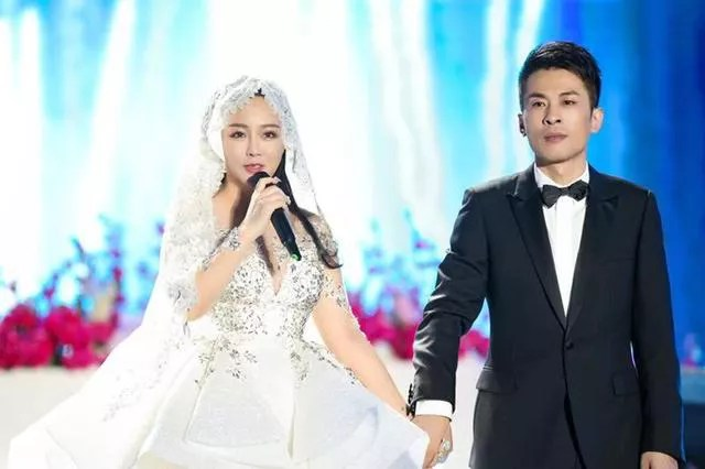 wedding, celebrity - Famous Chinese influencers spent millions on Jackie Chan, Lee Hom, G.E.M & Cecelia Cheung to sing at their wedding