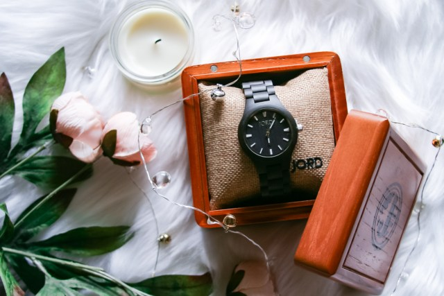 If you're looking for the perfect workday to date night gift for that special someone this Valentine's Day, then make sure to check out JORD Watches for a unique, elegant gift that will match your work wear and your date night attire. Look inside for a chance to win a $100 gift card for JORD Watches!
