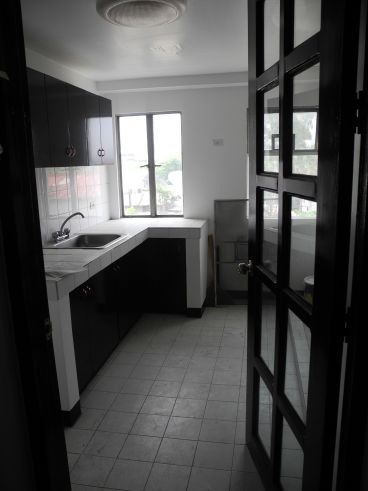 3 Br Condo Unit For Sale At Mandaluyong Executive Mansion 2