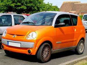 carro color naranja
