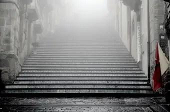 que-significa-sonar-con-escaleras