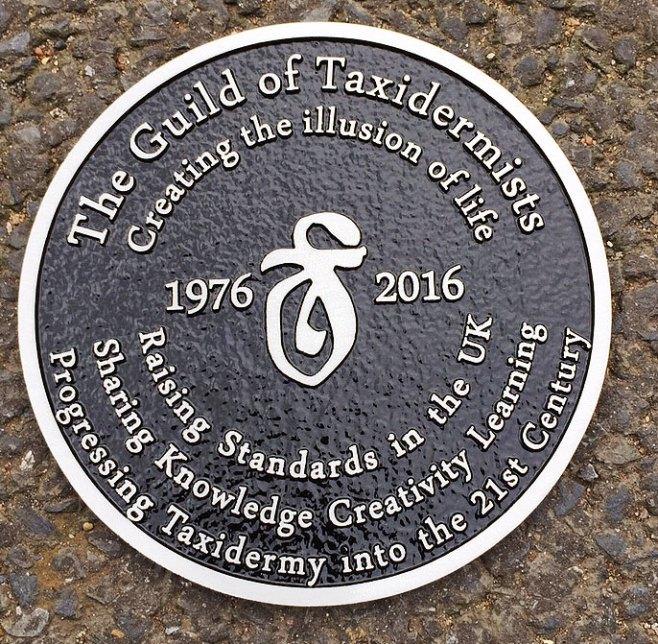 Round aluminium plaque
