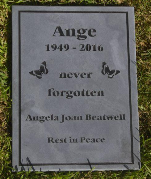 Slate Lawn Memorial, Grave Marker