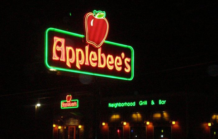 Neon Helps Brand Applebees Restaurants Day and Night