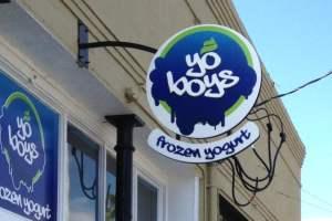 Frozen Yogurt Routed Blade Sign