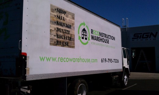 Box truck partial graphic coverage