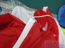 Flag with sleeves and ropes - Red
