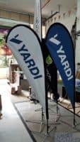 2.2m teardrop banner - Yardi - blue and white