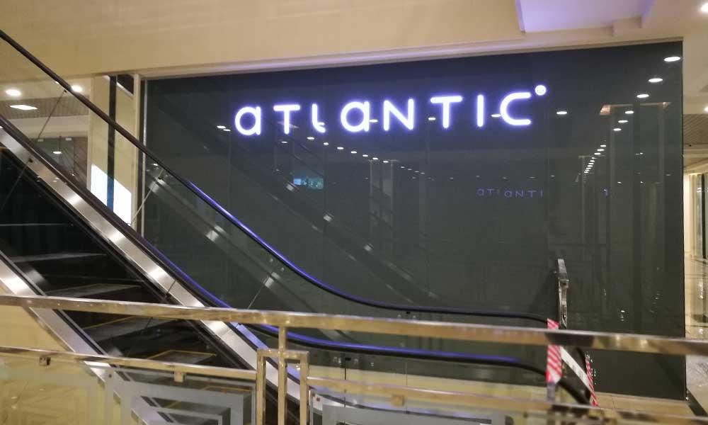 Вывеска магазина Атлантик