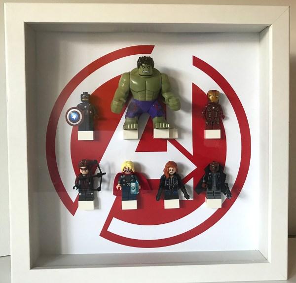 Cuadro de minifiguras Los Vengadores