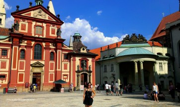 En el palacio de estilo castillo medieval