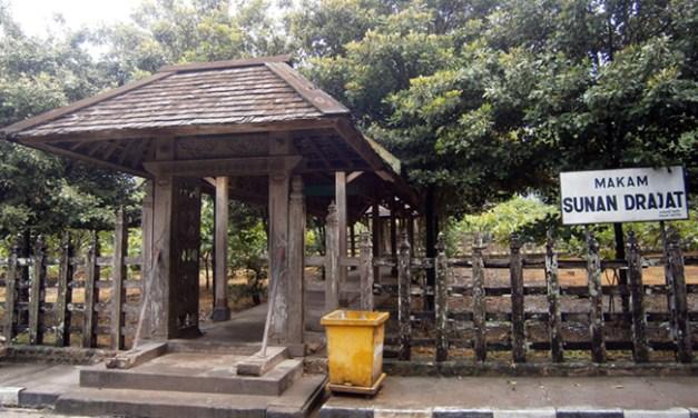 Relasi antara Makam Sunan Drajat dengan Lingkungan Sekitar