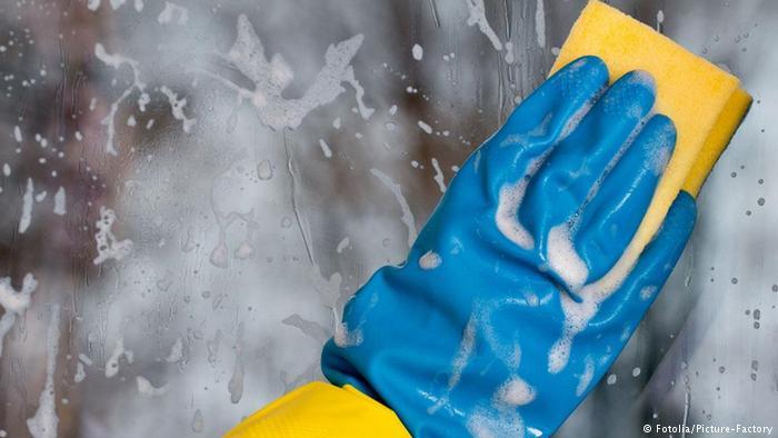 دراسة تربط بين مواد التنظيف وتدهور وظائف الرئة عند النساء