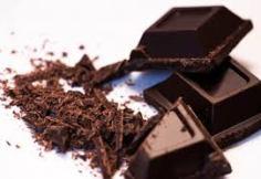 عليك بالشوكولاته الداكنة  لحرق الدهون الزائدة