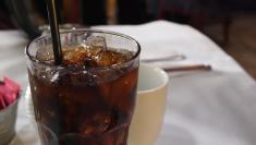 """المشروبات الغازية """"الخالية من السكر"""".. ضرها أكثر من نفعها"""