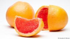 الليمون الهندي  يساعد على تنظيف الجسم من النيكوتين