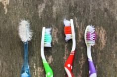 صحة الأسنان – أيهما أفضل فرشاة الأسنان الناعمة أم الخشنة؟