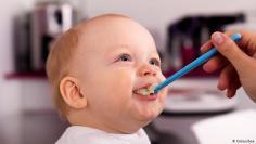 تعرف على أهم الأغذية لنمو دماغ الطفل!
