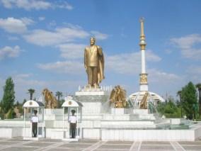 Statue of Turkmanbashi