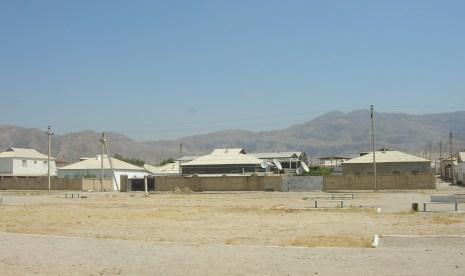 More hot desert