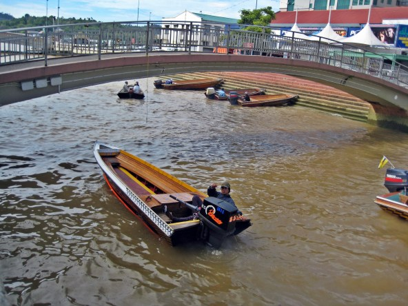 water taxi in Kampong Ayer